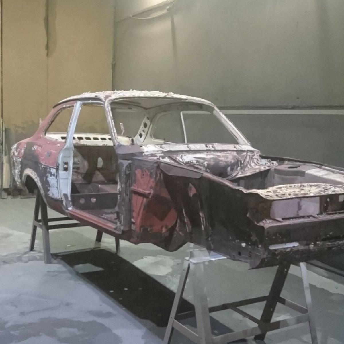 Aluminium oxide blasting is ideal for vehicle bodywork preparation following burn off